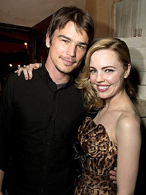WHEN NIGHT FALLS photo | Josh Hartnett, Melissa George