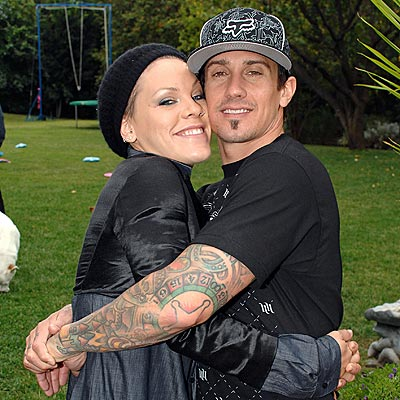 IT'S PUPPY LOVE photo | Carey Hart, Pink