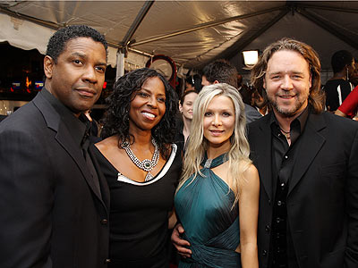 Gangster Family photo | Denzel Washington, Russell Crowe