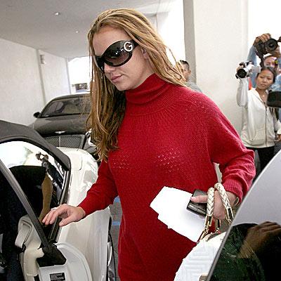 RED ALERT photo   Britney Spears
