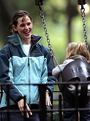 SWING SHIFT photo | Jennifer Garner