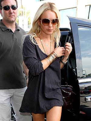 PIZZA HUNT photo | Lindsay Lohan