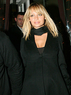 BUSINESS DINNER photo | Nicole Richie