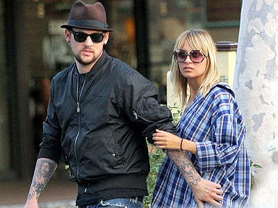 HANDS-ON GUY photo | Joel Madden, Nicole Richie