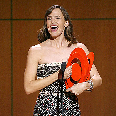 HONORED SOCIETY photo | Jennifer Garner