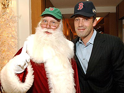 SANTA&#39;S HELPER photo | Ben Affleck