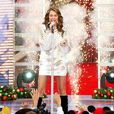 YULETIDE CHEER photo | Miley Cyrus