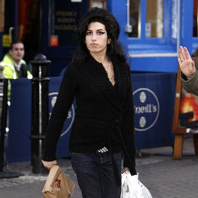 KEEPING UP APPEARANCES photo | Amy Winehouse