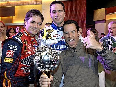 WINNER'S CIRCLE photo | Helio Castroneves, Jeff Gordon