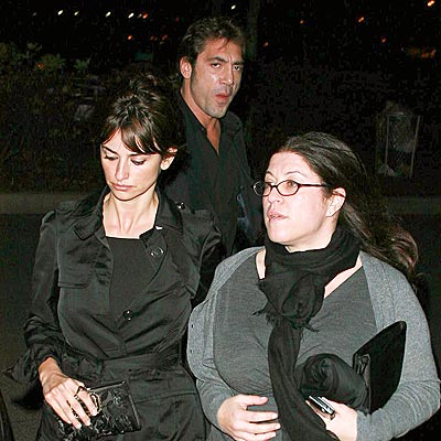 UNDERCOVER COUPLE photo | Javier Bardem, Penelope Cruz