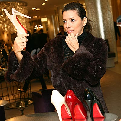 THE RIGHT TO SHOES photo | Eva Longoria