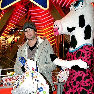 BOY TOYS 'R' US photo | Chace Crawford
