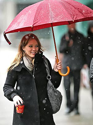 RAINY DAY WOMAN photo | Hilary Duff