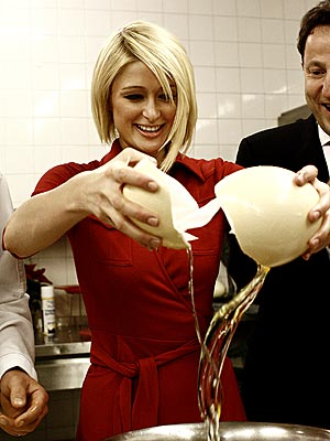 BREAK AN EGG! photo | Paris Hilton
