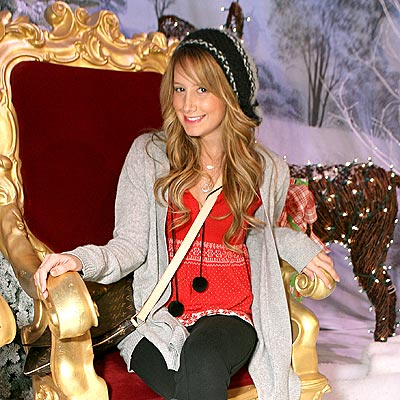 http://img2.timeinc.net/people/i/2007/startracks/071231/ashley_tisdale.jpg