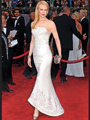 http://img2.timeinc.net/people/i/2007/stylewatch/best_dresses/nicole_kidman300x400.jpg