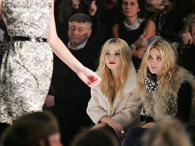 Fashion  Style Games on More Caught In The Act At Fashion Week      Style News   Stylewatch