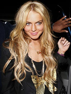 Lindsay Lohan Goes Blonde! Love It or Hate It?