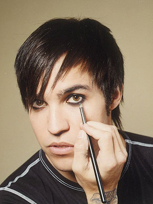 Get Tips on Guyliner from Pete Wentz! – Style News - StyleWatch