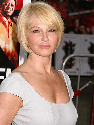 Get the Look: Ellen Barkin at the Ocean's 13 Premiere