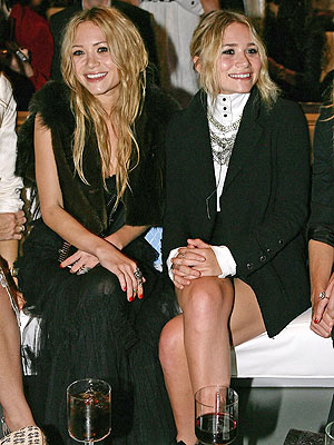 Marykate and Ashley Olsen Photos - Disney and Ashley rock
