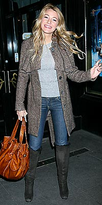 Blake Lively Coat on Get Winter S Coolest Coats    Blake Lively   Rolesclass   People Com