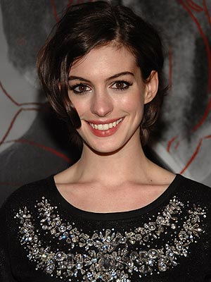 http://img2.timeinc.net/people/i/2007/stylewatch/gallery/dramatic_eyes/anne_hathaway.jpg
