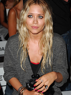 marykate and ashley olsen hairstyles. Mary Kate Olsen Weeds
