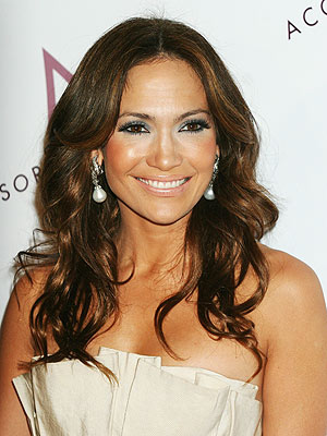 http://img2.timeinc.net/people/i/2007/stylewatch/gallery/hair/jennifer_lopez.jpg