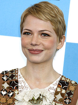 michelle williams short hair images. MICHELLE WILLIAMS photo