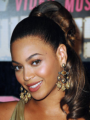 Celebrity curly hairstyles Beyoncé Knowles