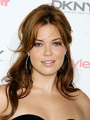 http://img2.timeinc.net/people/i/2007/stylewatch/gallery/party_hair/mandy_moore.jpg