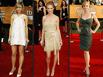 ABOVE-THE-KNEE DRESSES photo