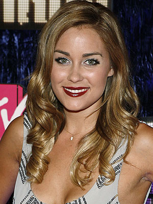 http://img2.timeinc.net/people/i/2007/stylewatch/gallery/red_lips/lauren_conrad.jpg