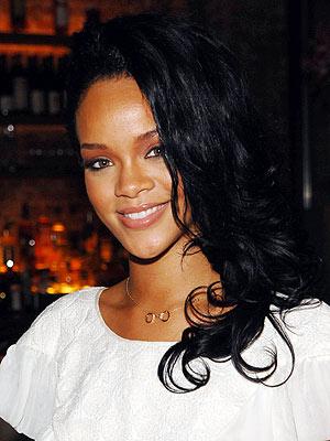 PAPER DOLL photo | Rihanna