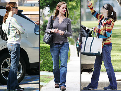 7 FOR ALL MANKIND JEANS photo | Jennifer Garner