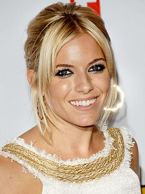 MIDDLE PART  photo | Sienna Miller