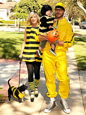 Tori And Dean A Family Of Bees And Ali G Moms