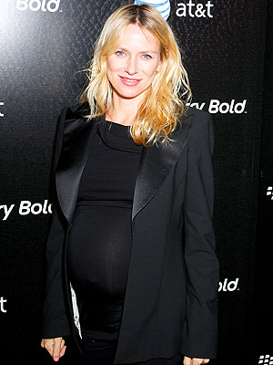 Naomi watts chooses black on black moms babies - Naomi curtis diva futura ...