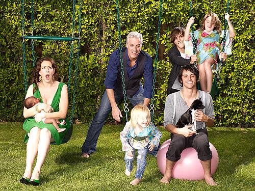 Joely Fisher Introduces Daughter Olivia Luna – Moms ...
