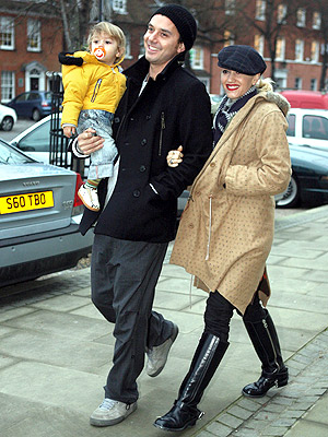 BABY STEPS photo | Gavin Rossdale, Gwen Stefani, Kingston Rossdale