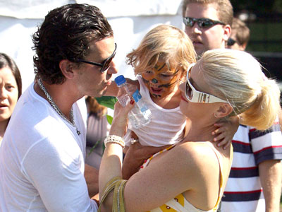 TOUGH TIGER photo | Gavin Rossdale, Gwen Stefani, Kingston Rossdale
