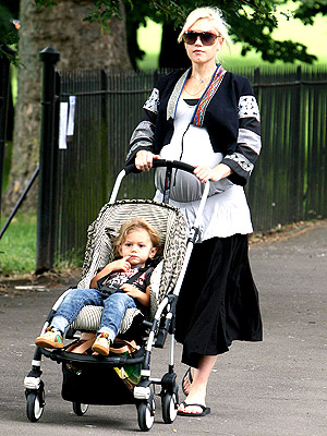 CELEBRITY BABY STROLLER FAVE - Celebrity Baby ...