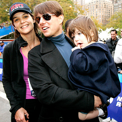 RUN, KATIE, RUN photo | Katie Holmes, Suri Cruise, Tom Cruise