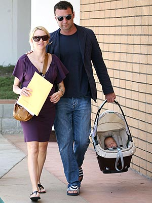 BABY MAKES THREE photo | Liev Schreiber, Naomi Watts