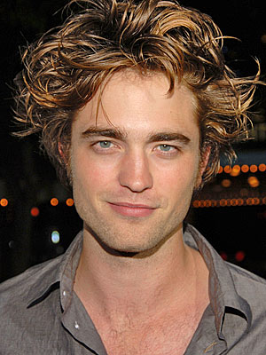 http://img2.timeinc.net/people/i/2008/database/robertpattinson/robert_pattinson300a.jpg
