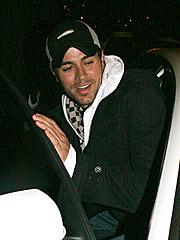 Enrique Iglesias Survives Air-Scare Incident | Enrique Iglesias