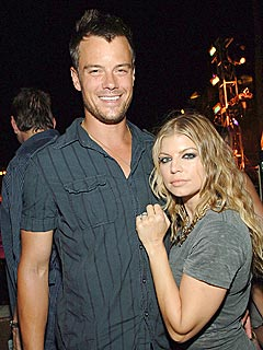 Josh Duhamel & Fergie Head to North Dakota for Turkey Day