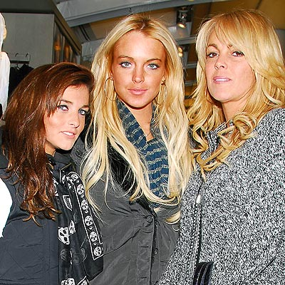  photo | Ali Lohan, Dina Lohan, Lindsay Lohan
