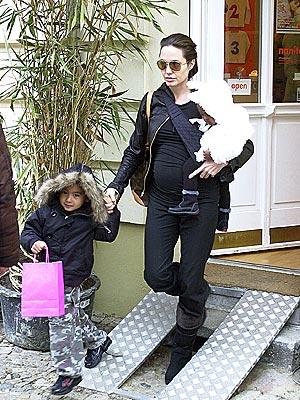 TOY STORY  photo | Angelina Jolie, Maddox Jolie-Pitt, Zahara Jolie-Pitt